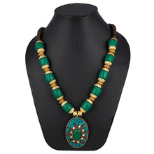 Load image into Gallery viewer, Designer Pendant Green Beads Necklace