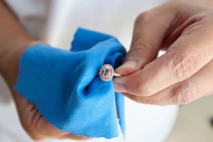 What's the best way to clean jewellery at home?