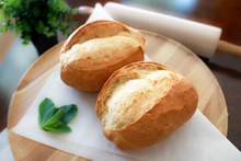 Load image into Gallery viewer, Round Vietnamese french Bread