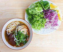 Load image into Gallery viewer, Vietnamese Spicy Beef Noodle Soup (Bun Bo Hue)