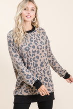 Load image into Gallery viewer, ANIMAL PRINT LONG SLEEVE TUNIC
