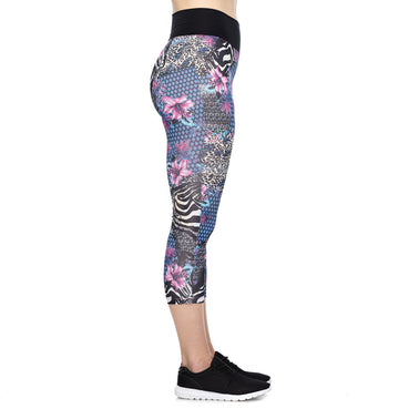 Lady Warrior Capri Leggings in Printed Beauty