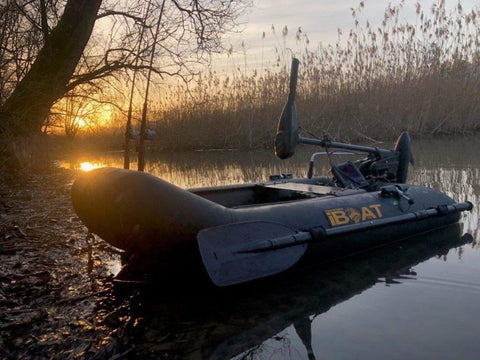 iBoat 160 GEN5 Superlight - carbon black