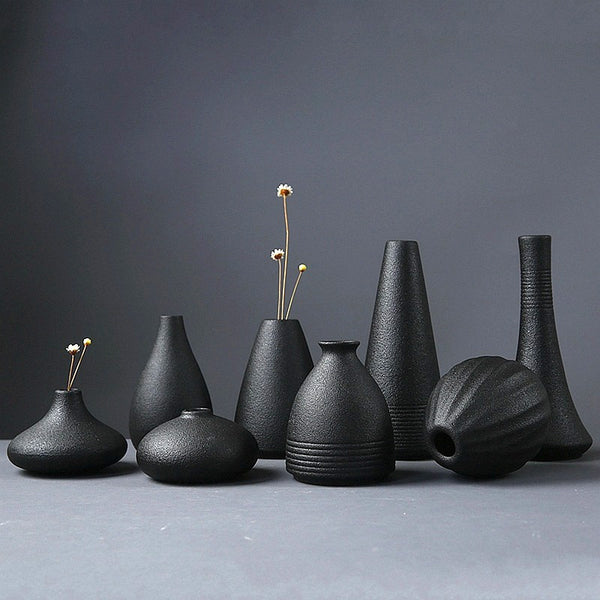 Kala Black Ceramic Vase - Villa and Oak