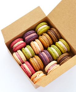 Box of 16 macarons online