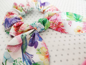 Mummy and Me Headband Matching Set - Including Bow Scrunchie, Hair Bow Ties, Bow Headband - Humming Bird Floral