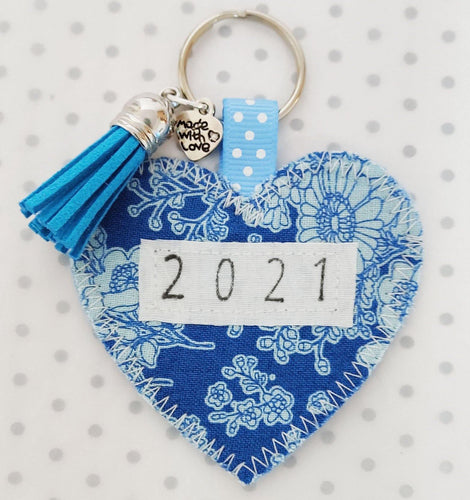 New Year's Gift - Handmade 2021 Pocket Hug heart fabric keyring with tassel - Blue Floral - BoutiqueCrafts