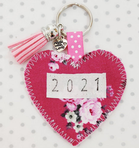 New Year's Gift - Handmade 2021 Pocket Hug heart fabric keyring with tassel - Pink Bouquet - BoutiqueCrafts