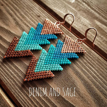 Load image into Gallery viewer, Turquoise and copper arrow beaded earrings. Indigenous handmade.