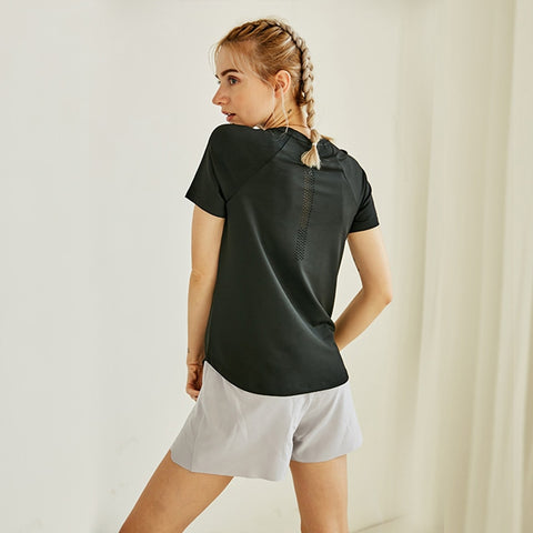 Women's Short Sleeve Sport Tee with Breathable Quick Dry Fabric for Yoga and Workout
