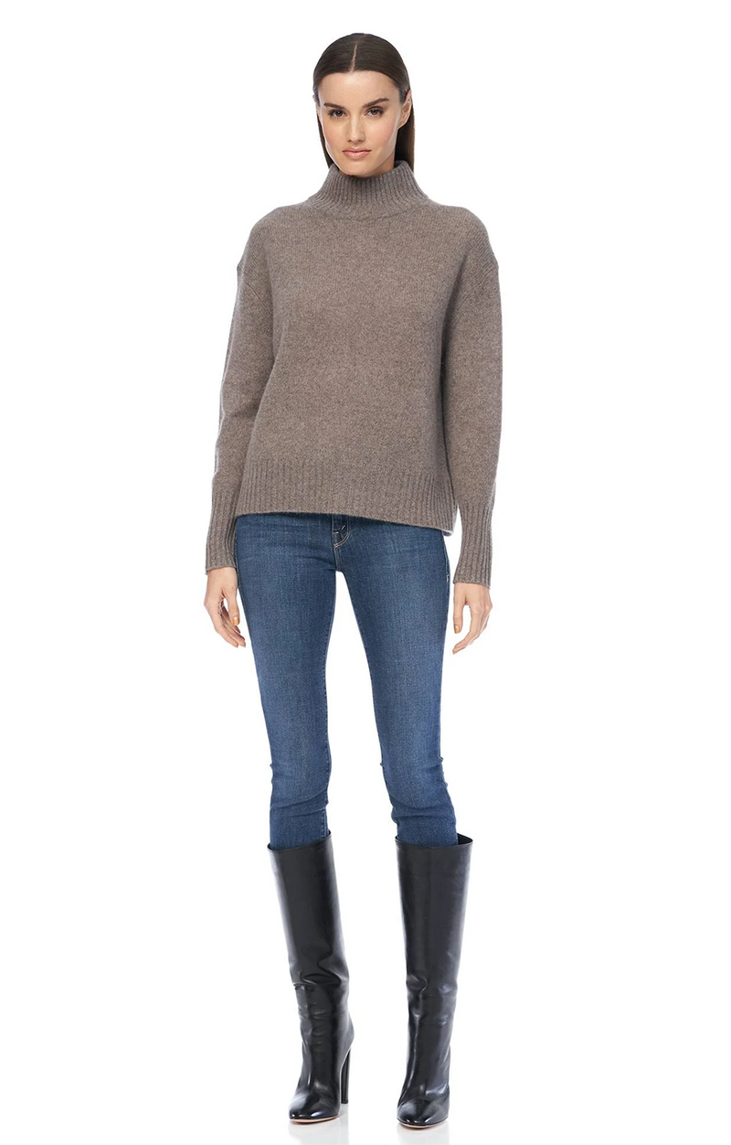 Lyra Cashmere Turtleneck