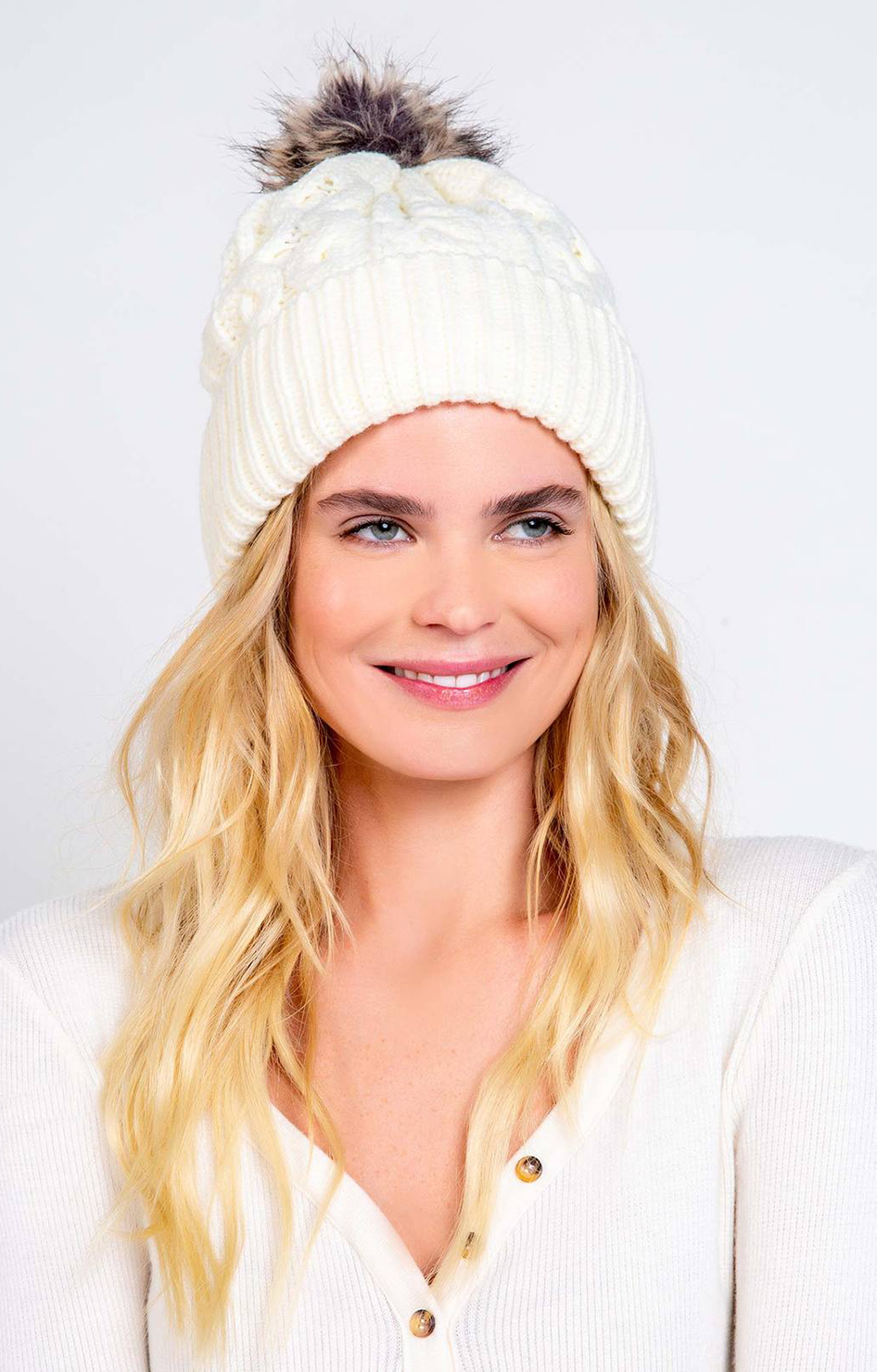 Cable Knit Beanie - Natural