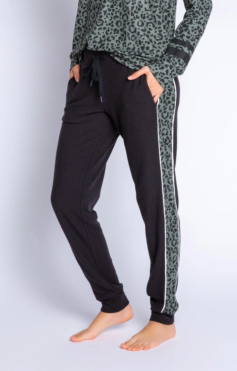 Running Wild Solid Banded Pant - Black