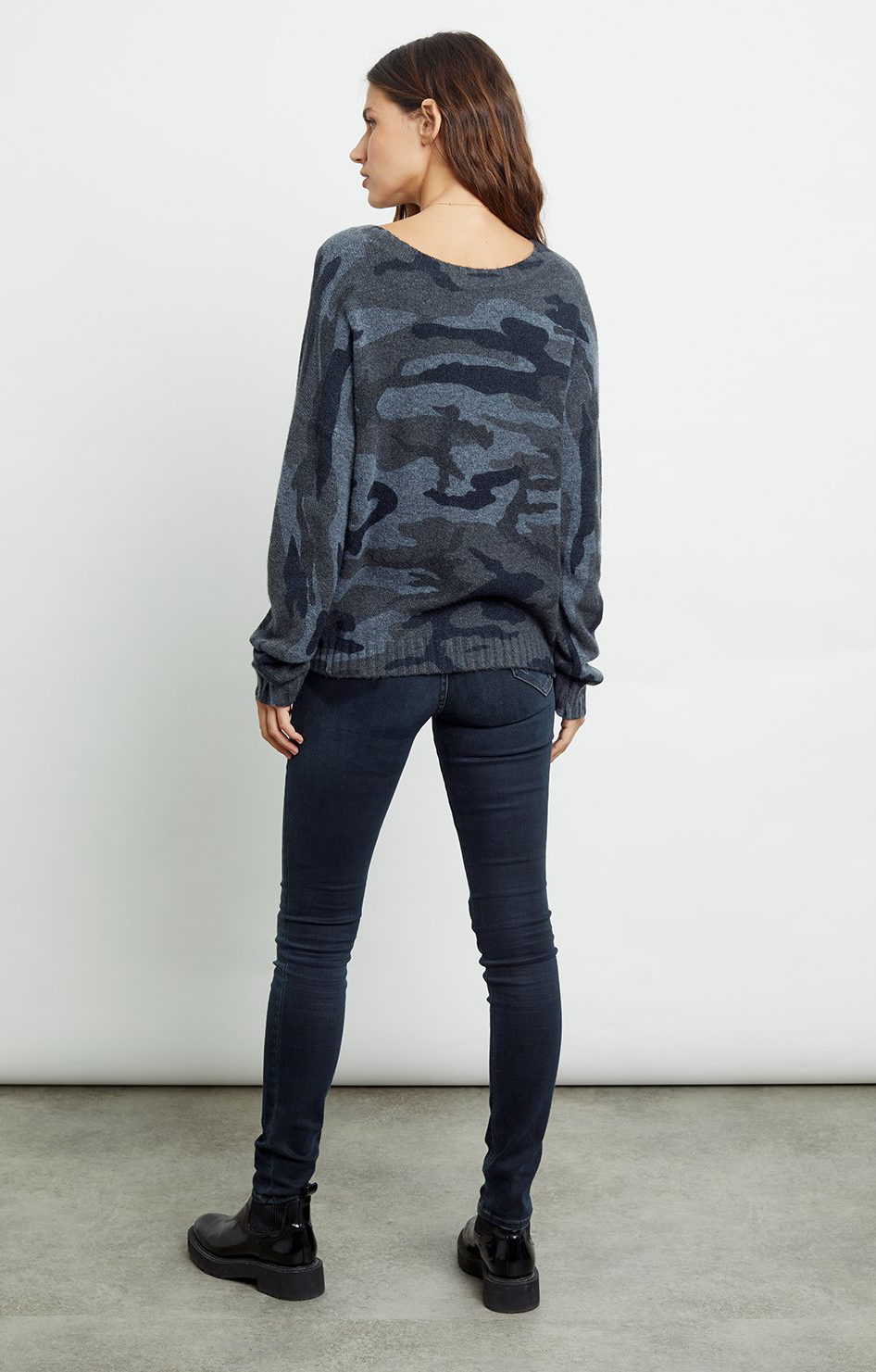 Louie Sweater - Charcoal Camo