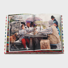 Load image into Gallery viewer, The Missoni Family Cookbook