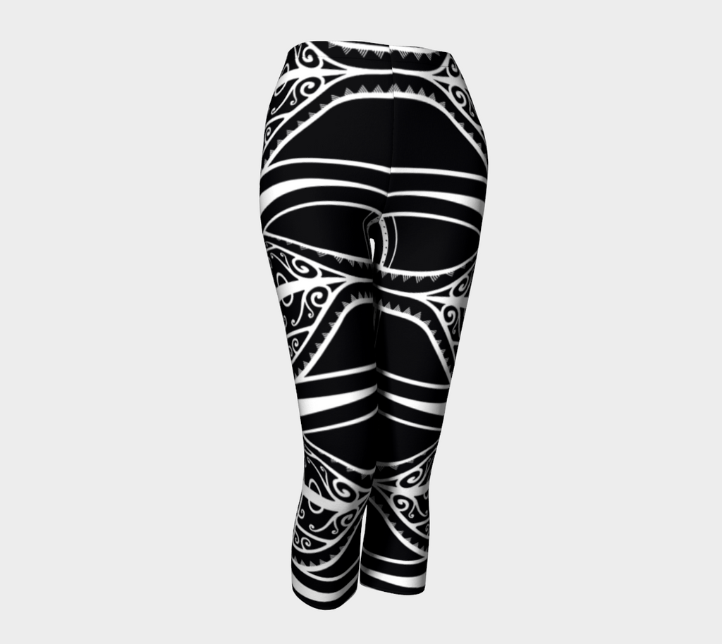 Compression Capris XS-XL Master Black Design by TINGS