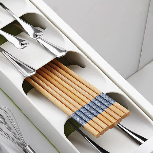 Compact Spoon Organizer