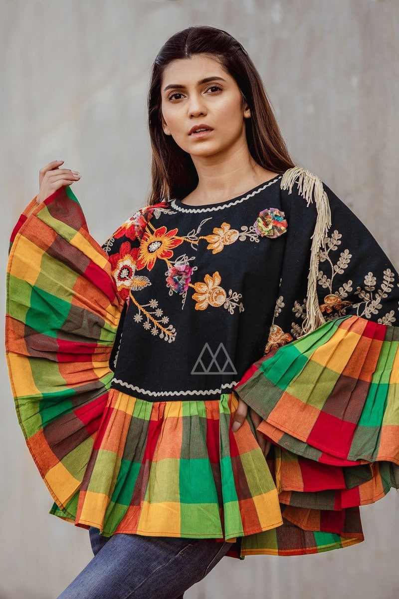 Winters Go Colorful With This Beautiful Poncho STC9011