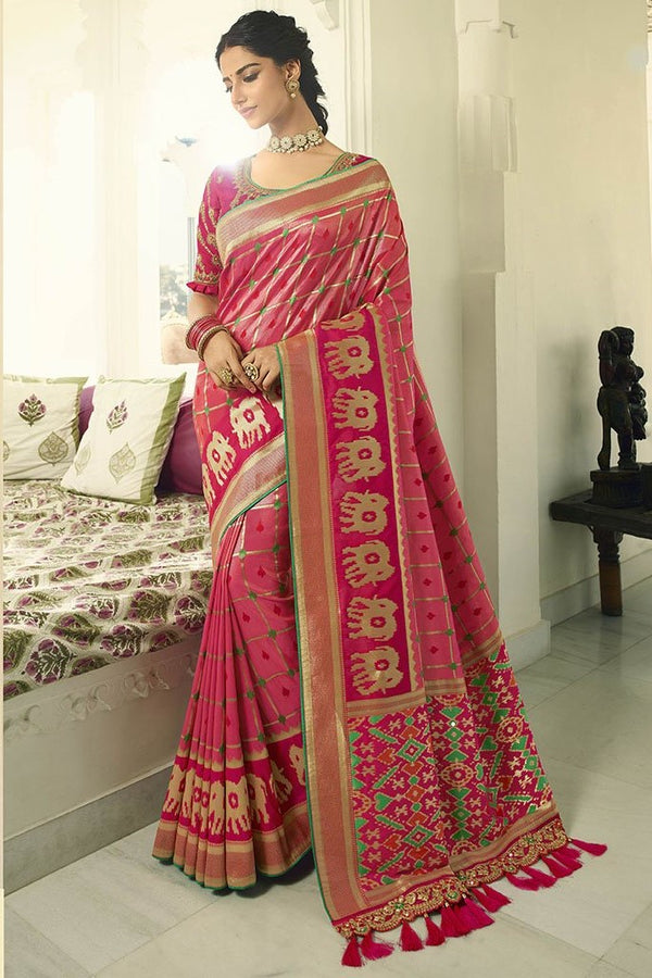 Traditional Look Saree In Dark Pink Paired With Dark Pink Blouse STC3124