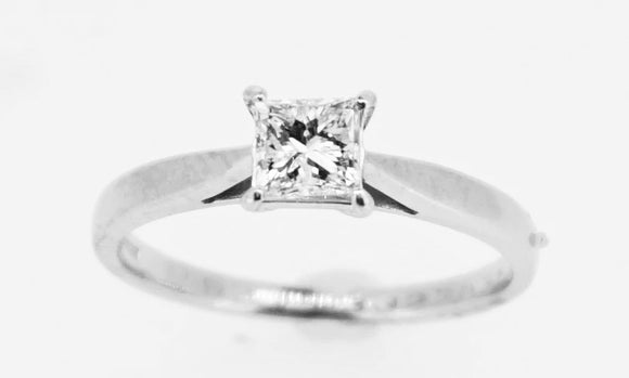 Princess Cut 0.30ct Diamond Solitaire in 18ct White Gold