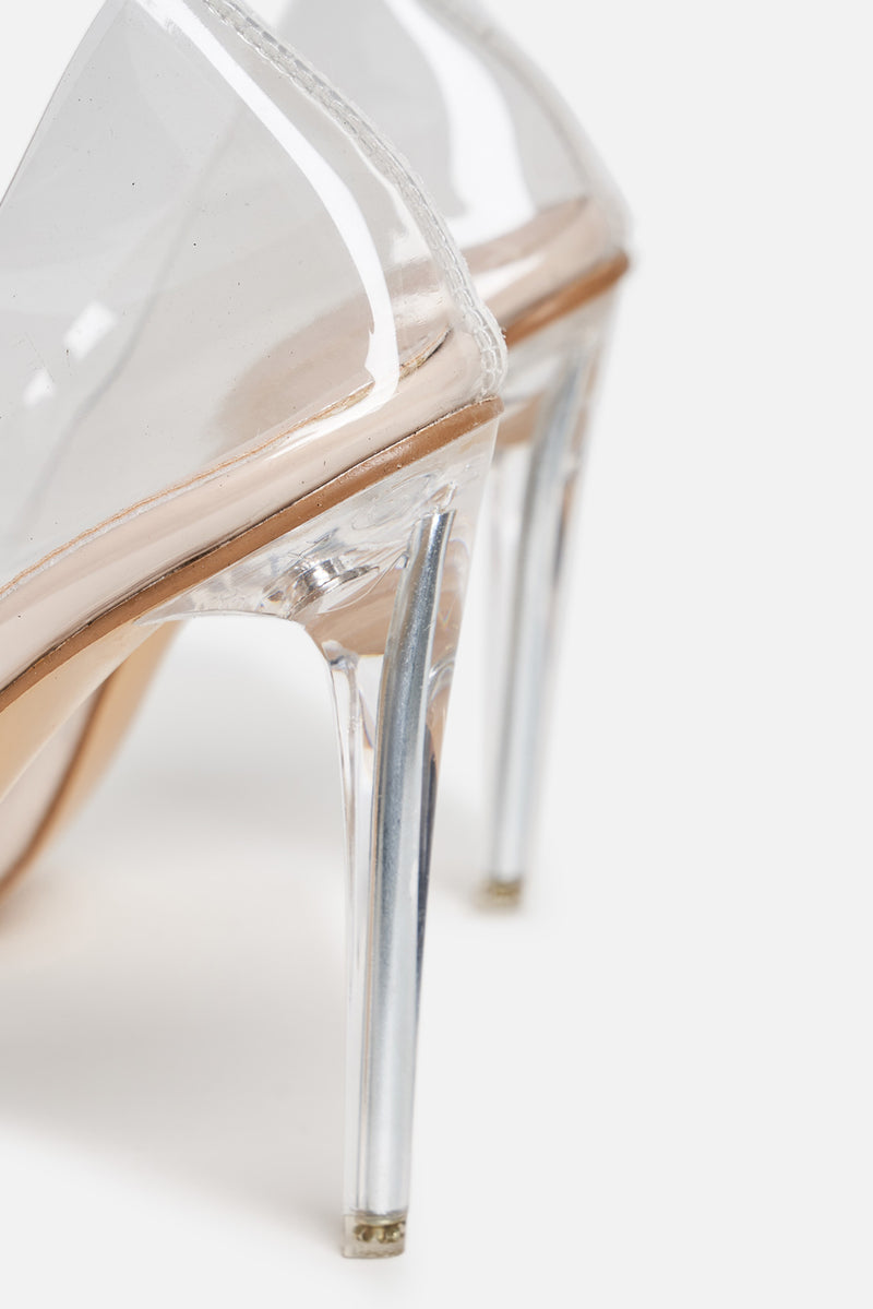 Clarissa Beige Court Pumps in Clear Perspex
