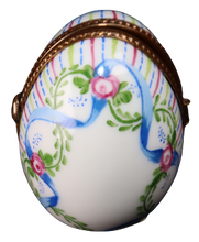 Load image into Gallery viewer, SKU# C005404P Standing Egg with Picture Frame.