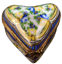 Load image into Gallery viewer, SKU# C002149B Small Heart Box Candice