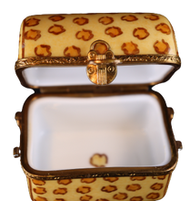 Load image into Gallery viewer, SKU# C048180 Travel Trunk Leopard