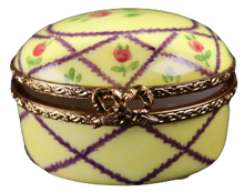 Load image into Gallery viewer, SKU# C021005 Small Oval Box Versailles