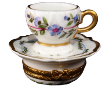 Load image into Gallery viewer, SKU# C046902 - Tea Cup Lilly