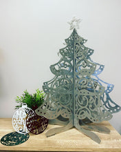 Load image into Gallery viewer, 3D Star Topped Christmas Tree