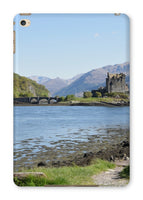 Eilean Donan Castle 40 in the Highlands of Scotland Tablet Cases