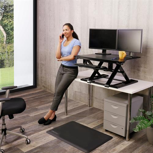 Ergonomic sit-stand height-adjustable desk Ergotron Fitneff Canada