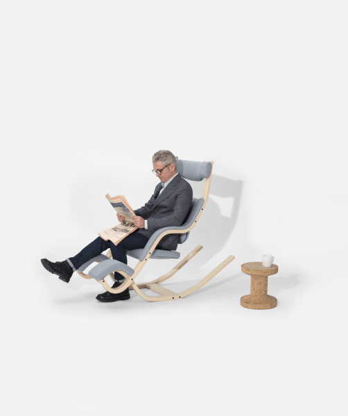 Varier Gravity balans ergonomic Active Chair from Active Goods Canada  men reading