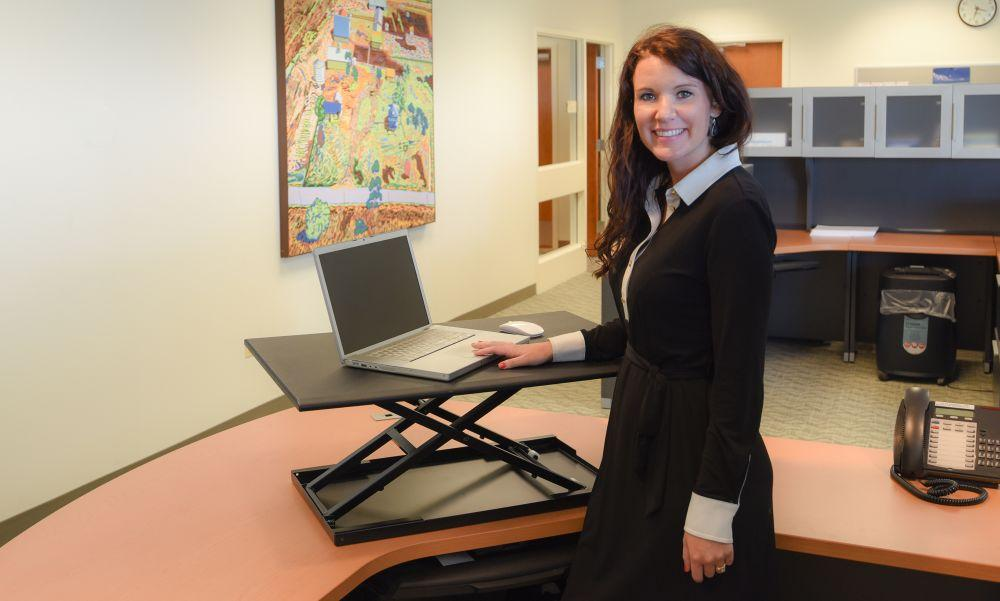 Luxor height-adjustable standing desk Fitneff Canada