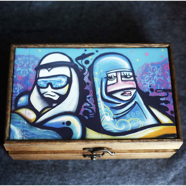 """Cartoon Couple"" Handmade Ash Wood Box - NotInTheMalls"