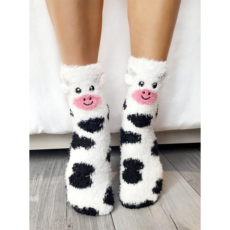 Cow Fuzzy Slippers - Home Basics Panamá