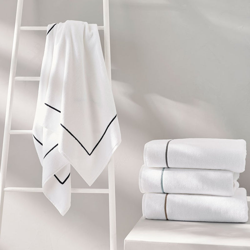 Ricamo Bath Towel