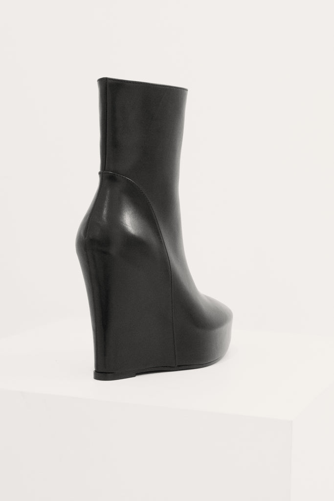 Platforms ankle boots