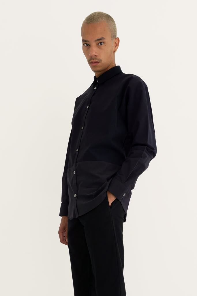 Shirt with raglan sleeves