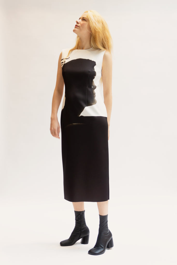 Sleeveless neoprene dress