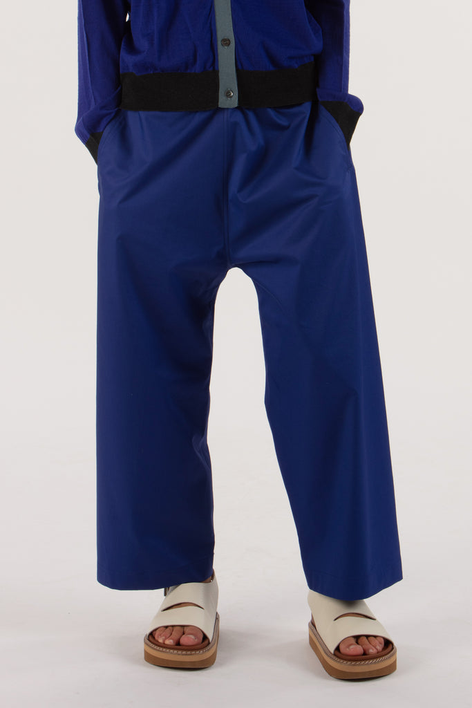 Wide casual trousers