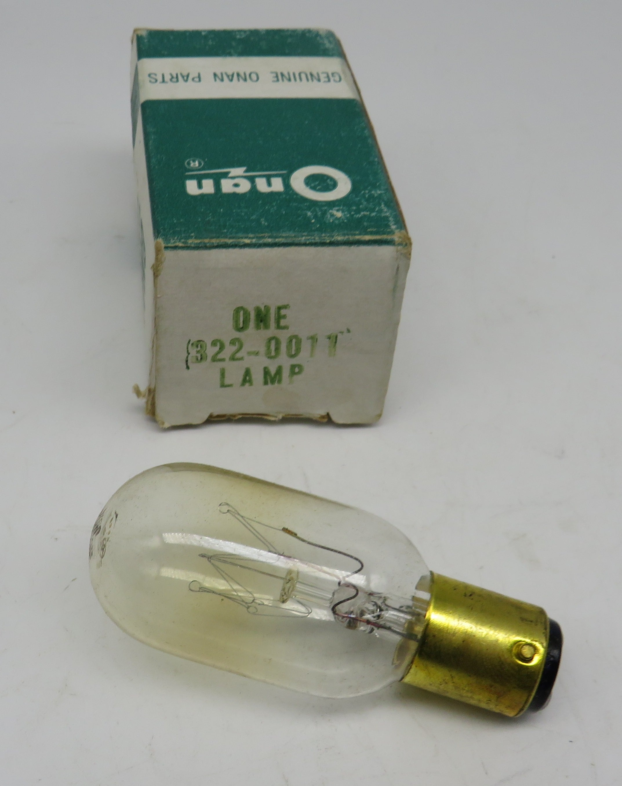 322-0011 Onan Lamp / Bulb 25 Watt 125 Volt Push Button