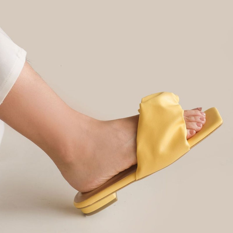 Winola Slipper | Yellow