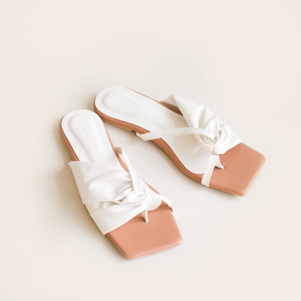 Selena Slipper | White