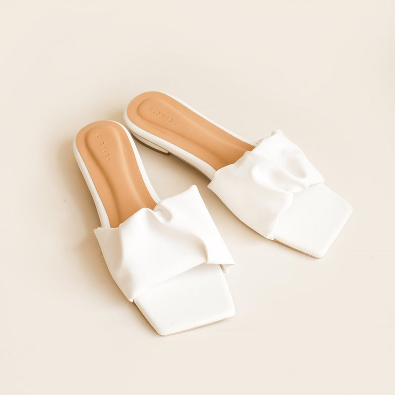 Winola Slipper | White