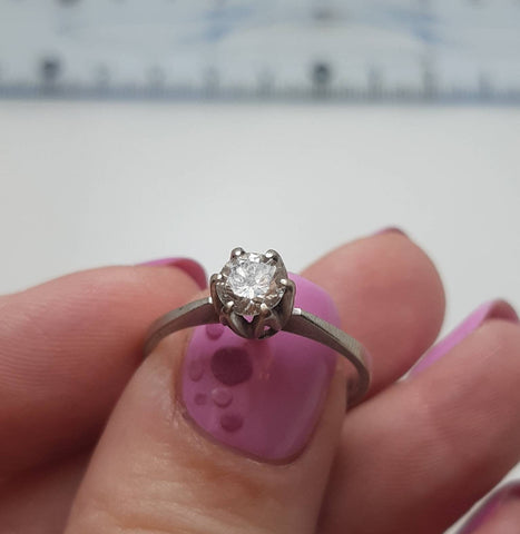 0,5 ct Diamond engagement ring