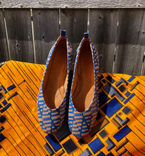 Load image into Gallery viewer, dr. Liza flat - ANKARA blue