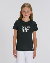 "Lade das Bild in den Galerie-Viewer, T-Shirt: Erstklassige Else ""NEW KID"" Print"