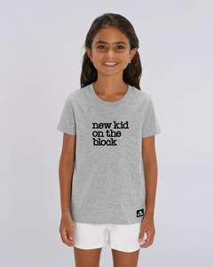 "T-Shirt: Erstklassige Else ""NEW KID"" Print"